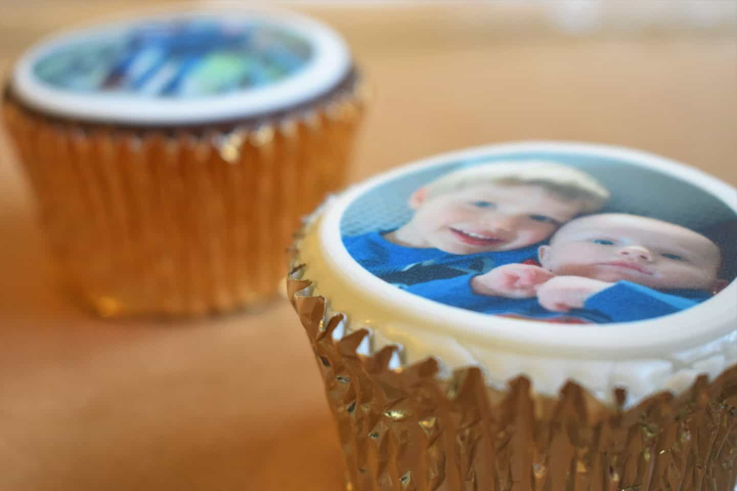 Get your face on a cake – Caketoppers photo cupcake review