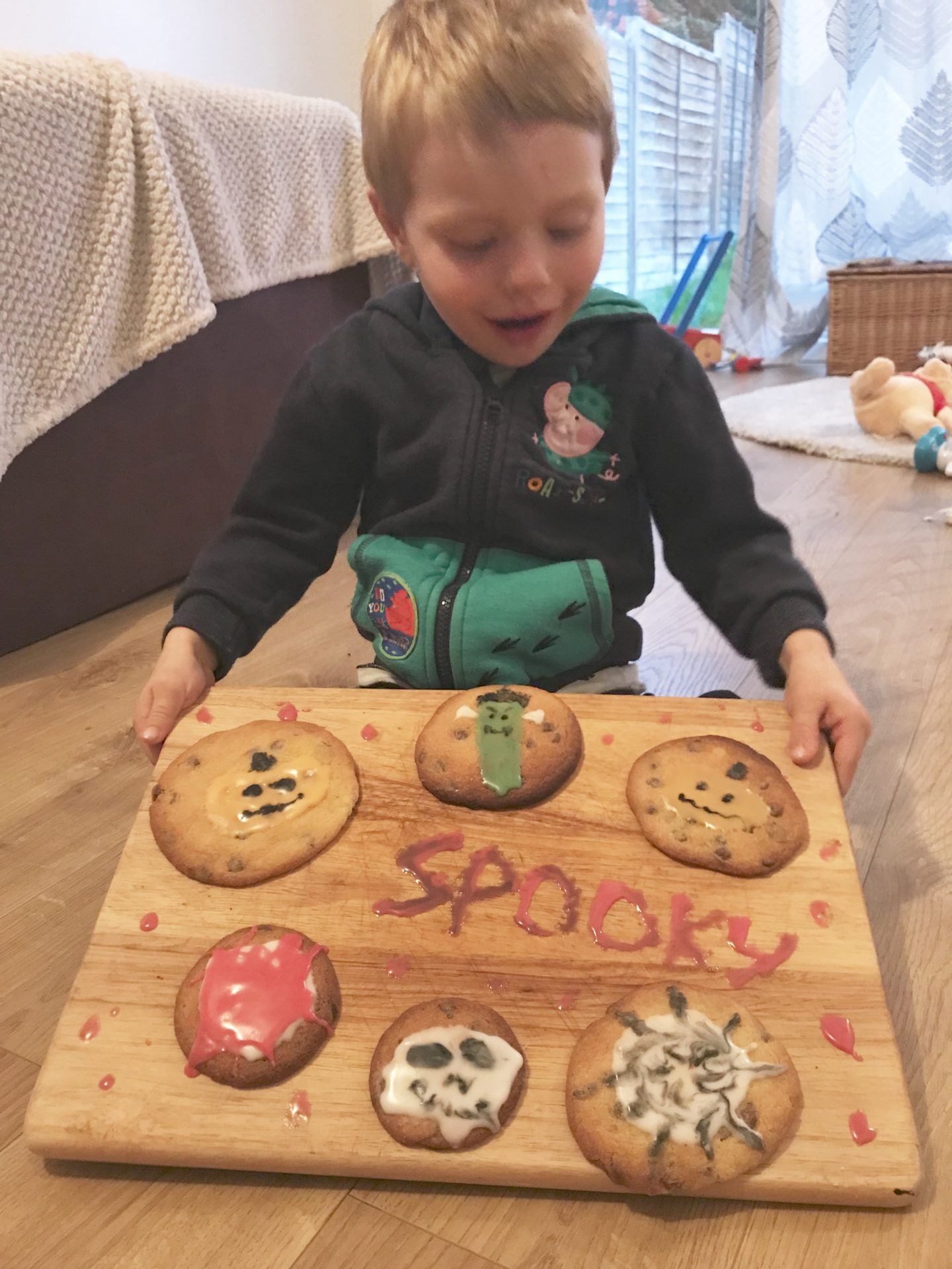 5 reasons to bake with kids – featuring easy halloween cookie recipe for you to try together