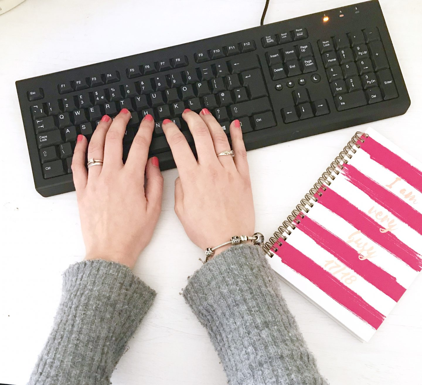 Don't let motherhood stop you from chasing your dreams – WIN an online creative writing course