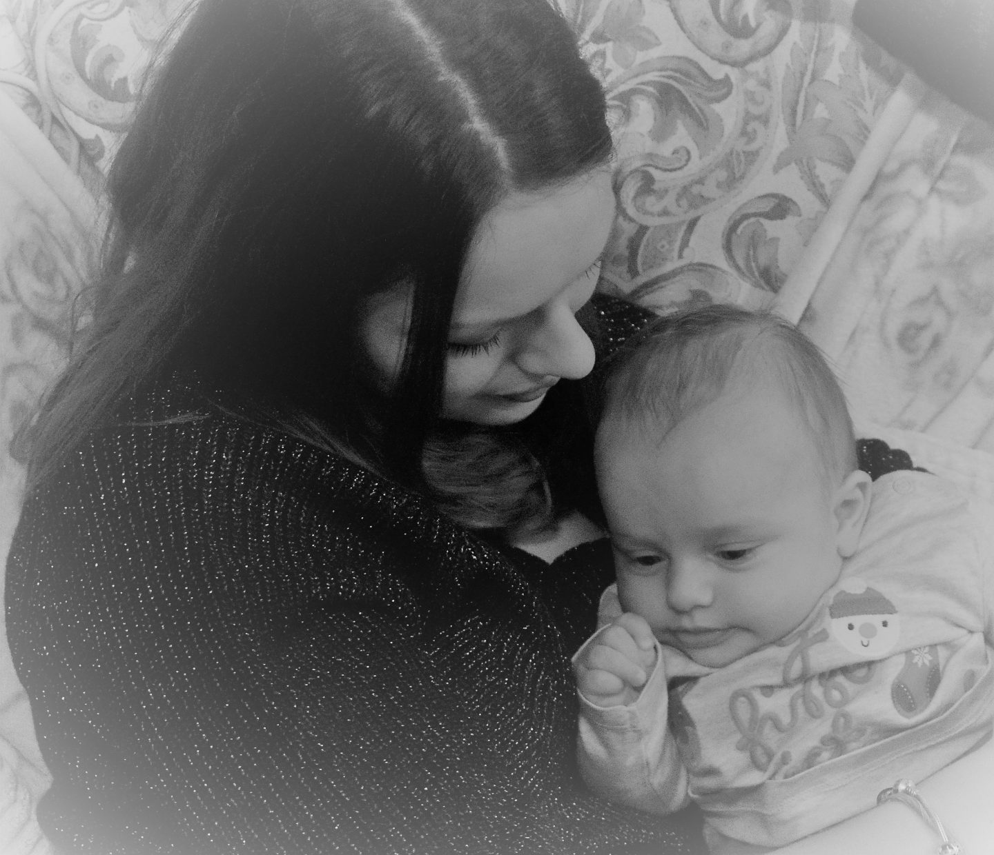 How you can help a mum who has post natal depression