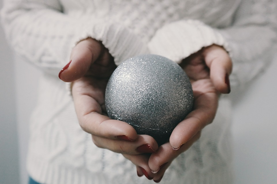 5 ways to treat yourself this Christmas – you deserve it!