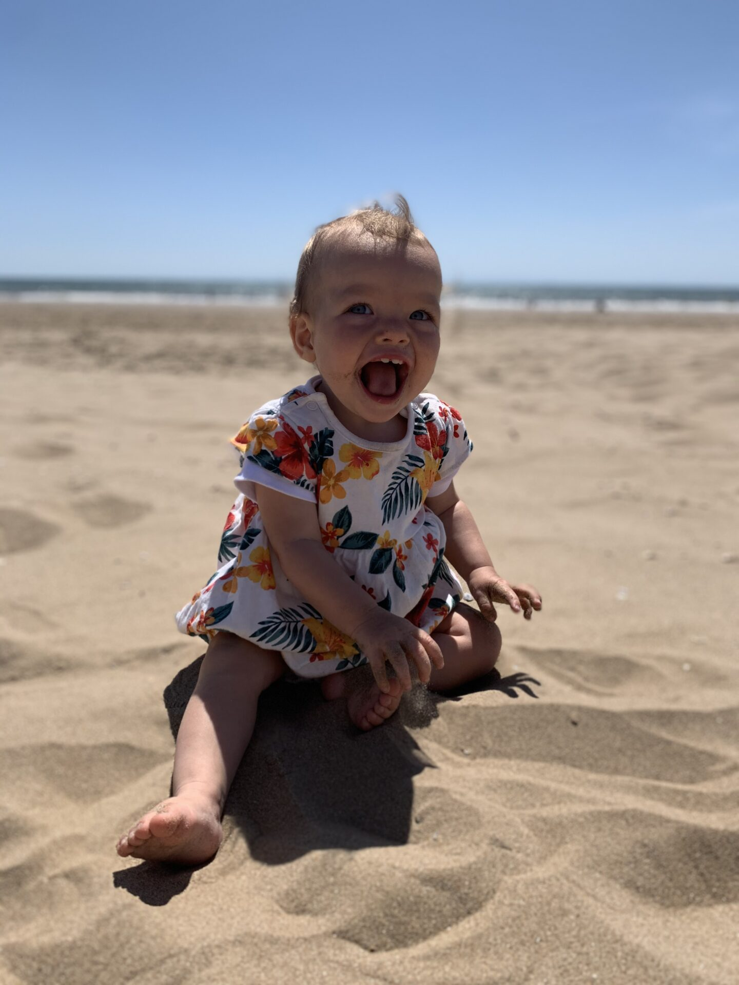 baby-on-beach-flight-with-baby